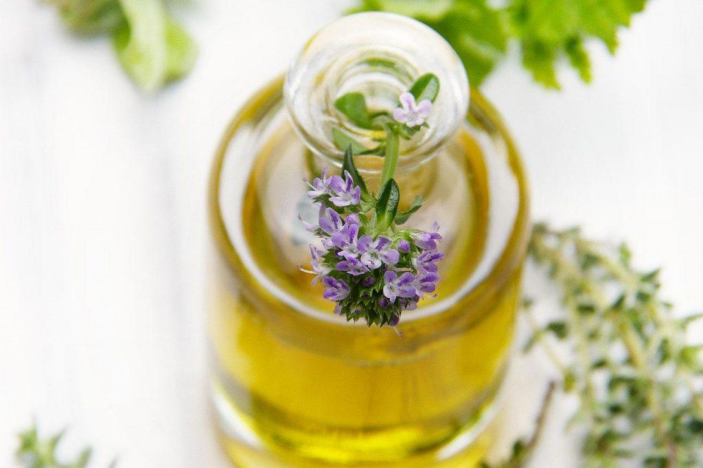Aroma-Öl-Massage bei Hilda